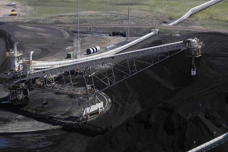 ناقل لمناولة الفحم