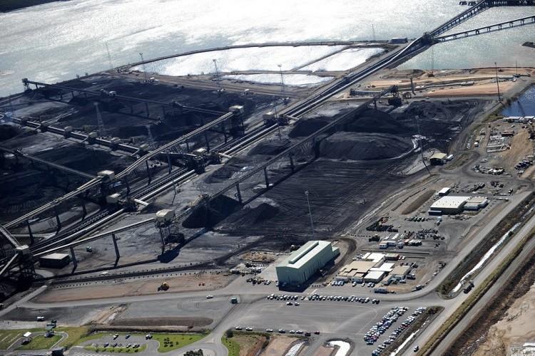 تكديس الفحم ومناولة الحزام الناقل