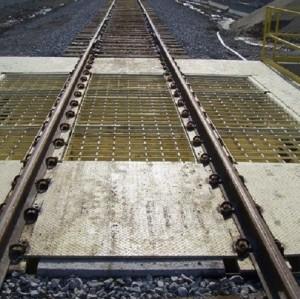 تحميل وتفريغ ناقلات السيور والسكك الحديدية