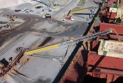 لودر السفن المثبت على السكك الحديدية بسعة 100-3000 طن في الساعة