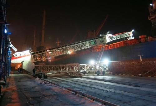 لودر سفينة تلسكوبي مُثبَّت بالسكك الحديدية مع قدرة تحميل بارجة تبلغ 3000tph
