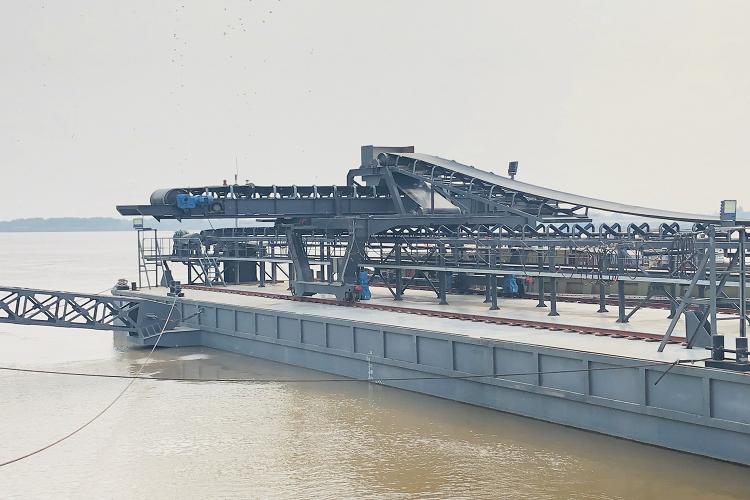 terminal loading conveyor