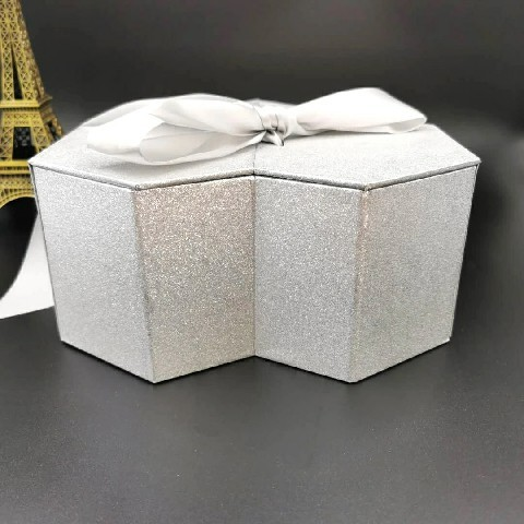Custom luxury paper packaging gift box cardboard silver shiny heart-shaped ribbon box