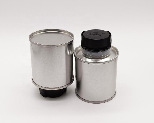 Wholesale 100ml metal round engine oil tin can with plastic spout cap and funnel