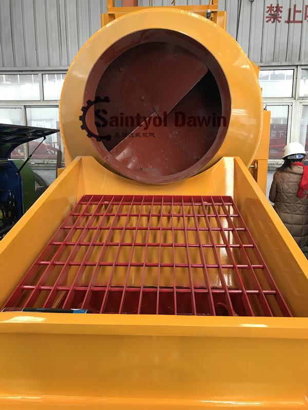 concrete mixing pump loading hopper