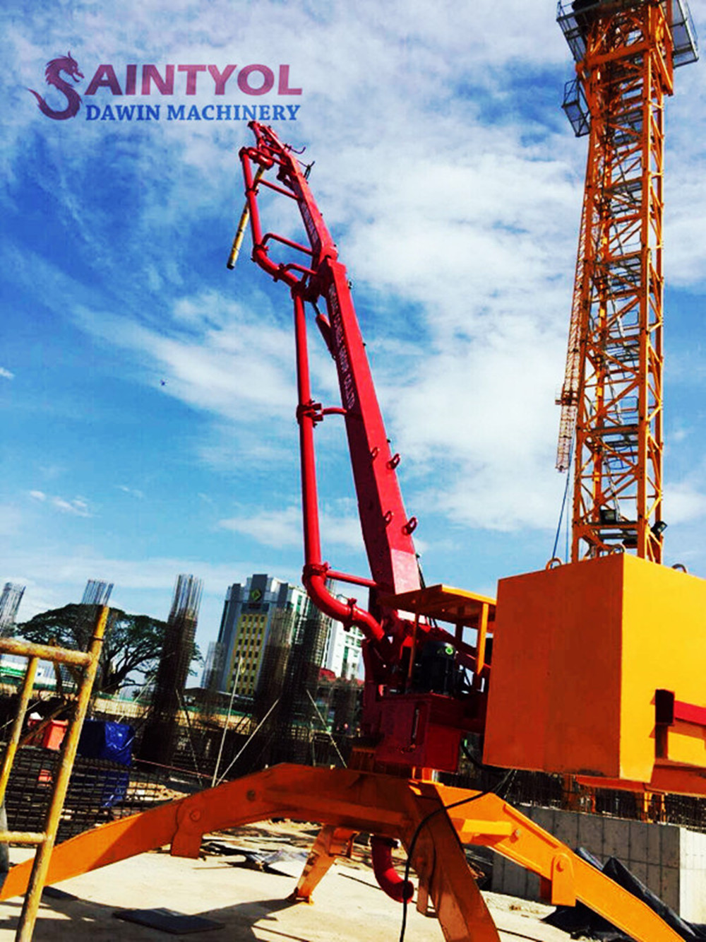 mobile spider concrete placing boom with remote control