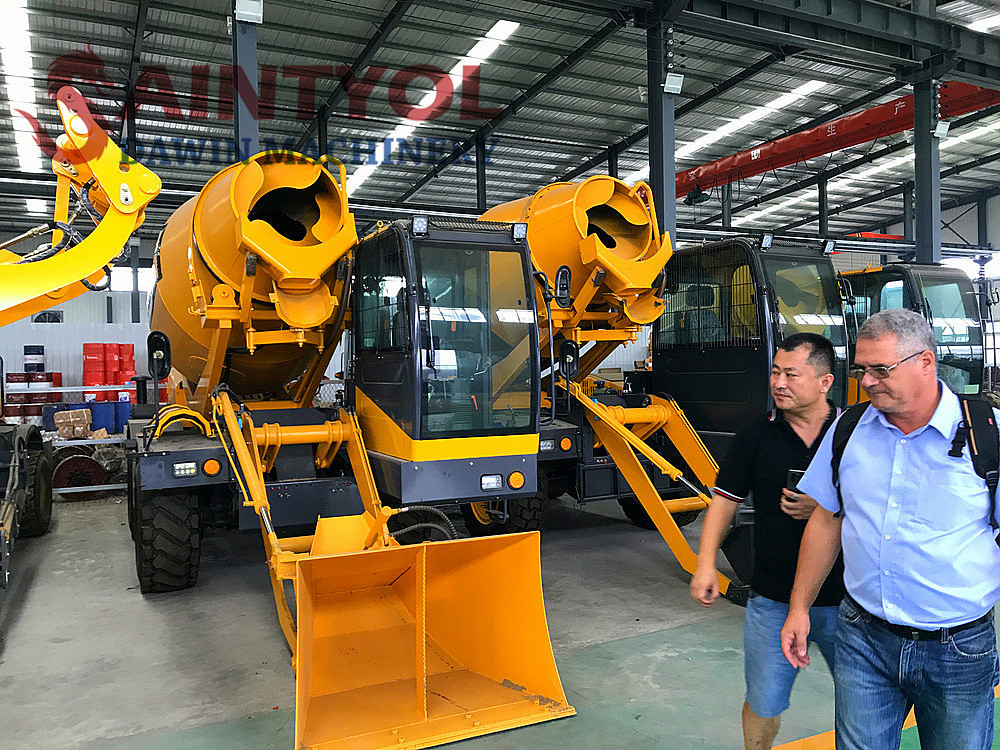 automatic self loading concrete mixer