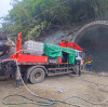 What are the characteristics of the major components of the fine stone concrete pump