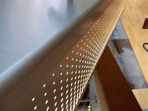 建筑物阳台装饰孔板、冲孔装饰板、冲孔板。