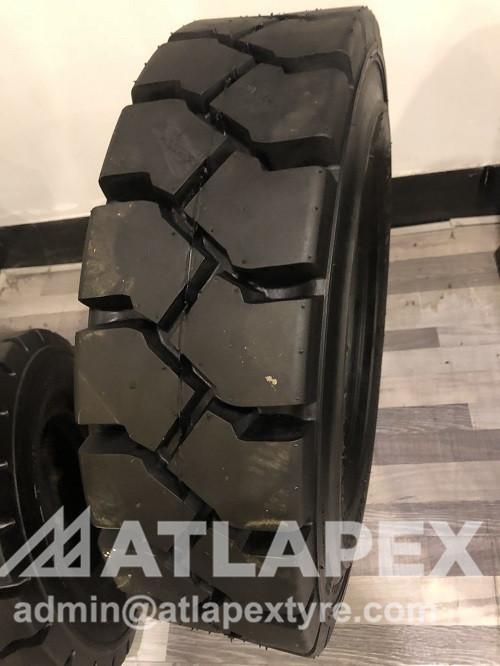 neumático de carretilla elevadora
