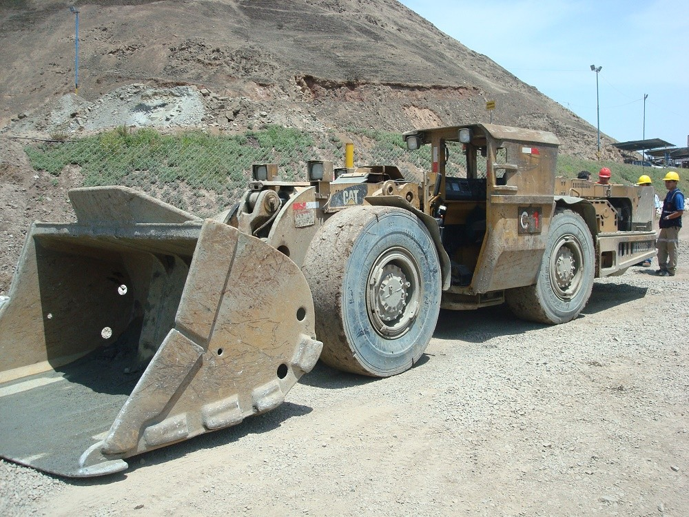 Neumático L-5S LHD