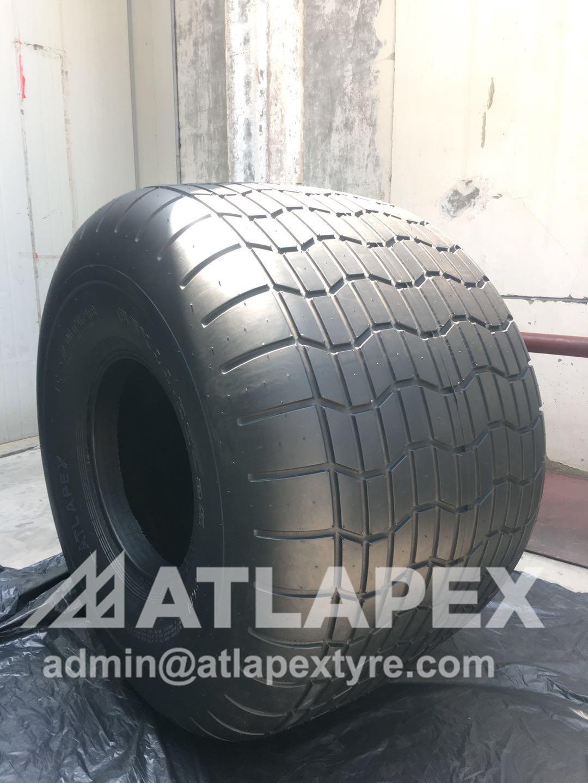 Seismic vibrator tire
