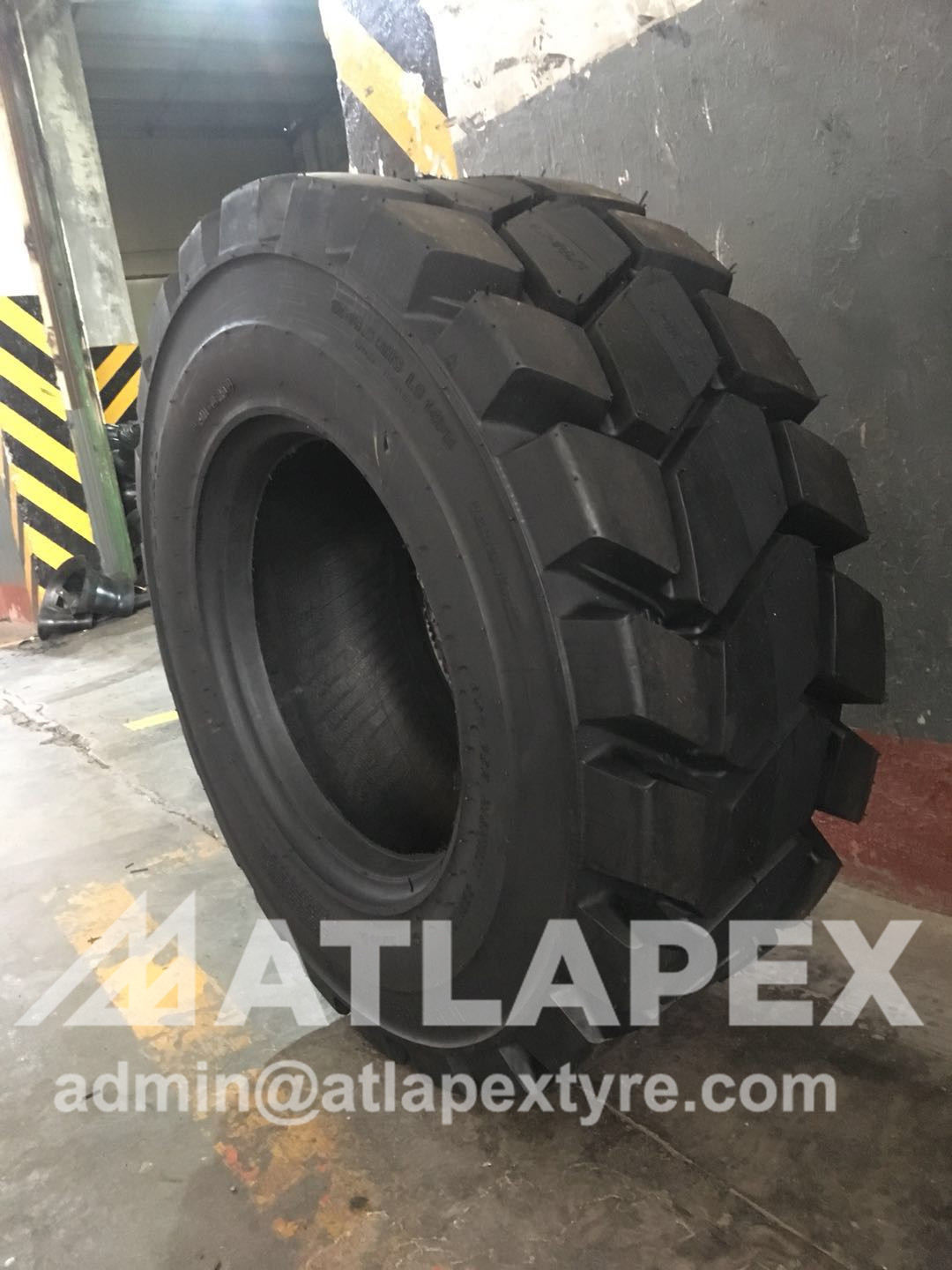 Tire for Bobcat A770