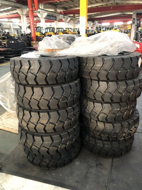 Atlapex forklift tires
