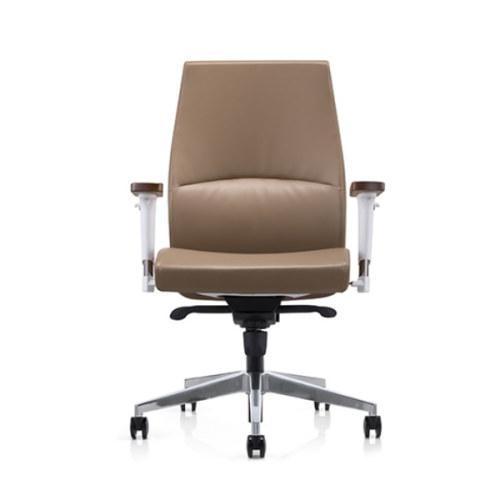 Silla ejecutiva de oficina de cuero PU de respaldo medio Y&F con reposabrazos de superficie de madera (YF-622-021)