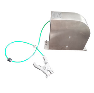 Retractable static grounding enclosed earthing cable reel for tanker truck