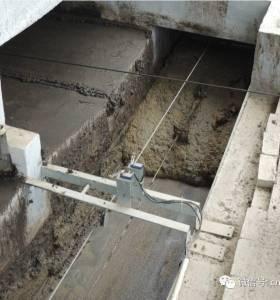 V-type Pig crage dry manure removal scraper / hog manure treatment system