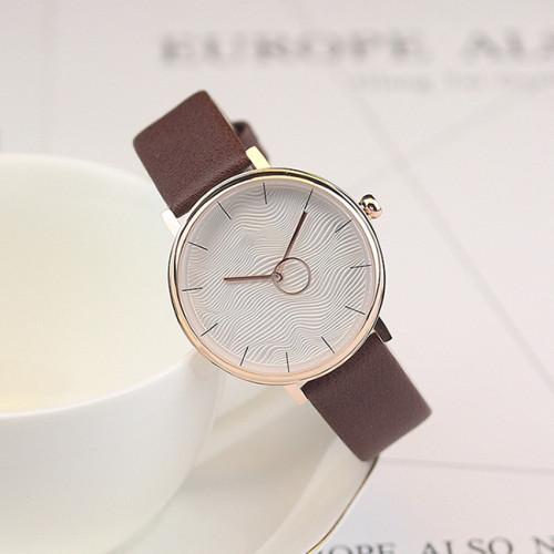 Classic Men Women Simple Pointer Clock Fashion Minimalist Wrist Watch