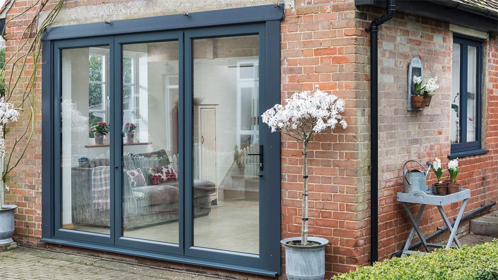 The Specific Method of Installing Aluminum Doors