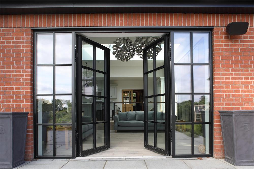 the installation and maintenance methods of aluminum swing doors