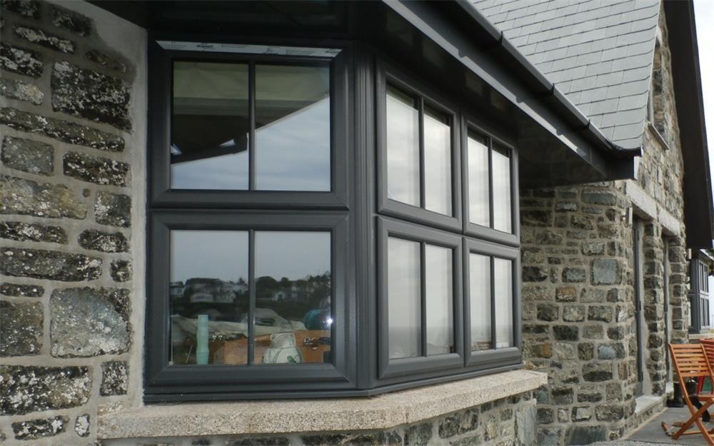 the tips for maintaining aluminum sliding windows