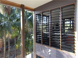 What Are the Advantages of Aluminum Louver Windows?