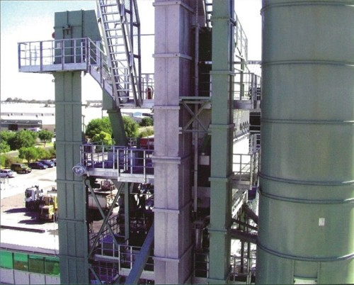 RAP Diumpankan ke Menara Mixer Melalui Lift