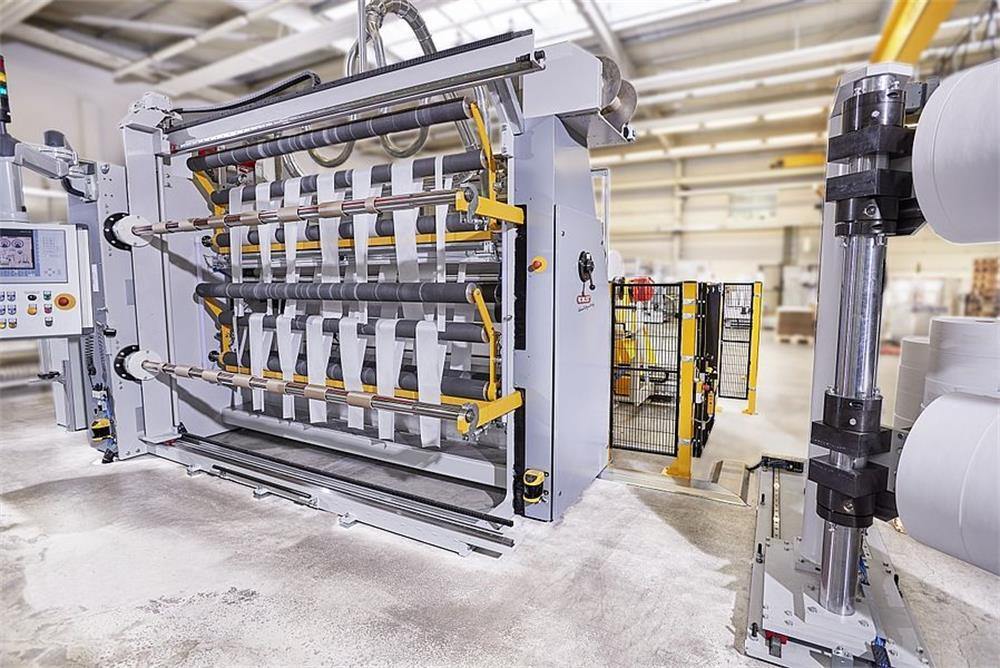 the cleaning steps of the melt-blown nonwoven production line
