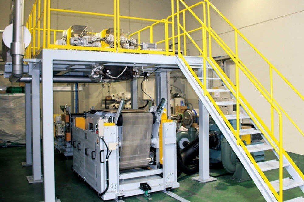 the precautions for the melt-blown non-woven equipment before operation