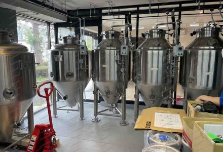 Our 3hl electric heating brewing beer equipment in customer's brewery and got the highly comment for the customized design.