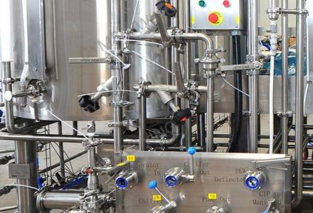 What are some valves commonly used in beer brewing breweries?