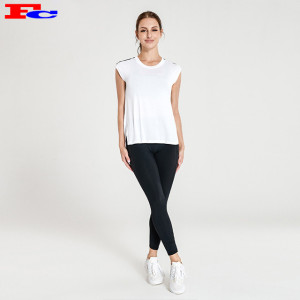 Wholesale Yoga Wear With White Loose T-shirt And Black Leggings