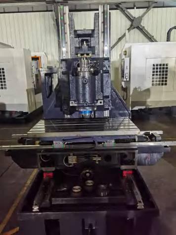 مركز تصنيع عمودي مدمج عالي السرعة V-8D