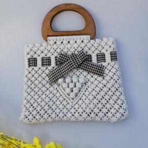 2021 Fashion Knitted Hollow Girl Handbag with Bowknot Square Straw Handbag