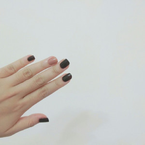 Wholesale Exquisite Rosewood Glossy Nail Polish