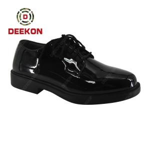 Custom Lace Up Breathable Fashion Flat Shiny Leather shoes with holes
