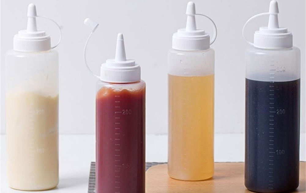 the method of choosing the right plastic squeeze bottle