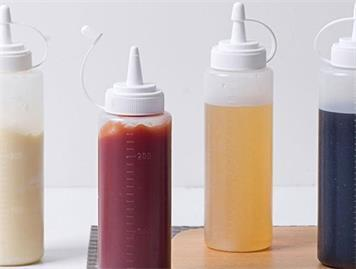 How to Choose the Suitable Plastic Squeeze Bottle?