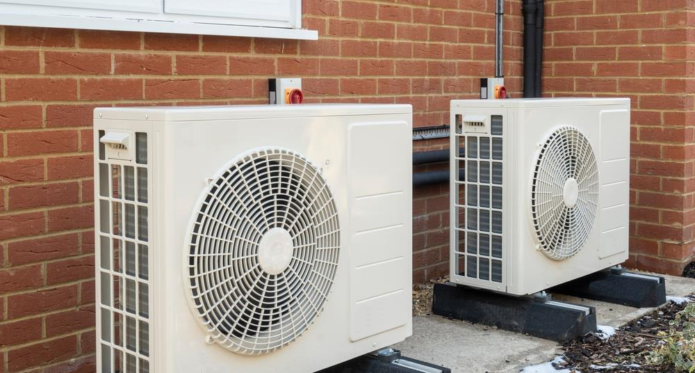 a specific introduction to the installation method and precautions of the swimming pool heat pump