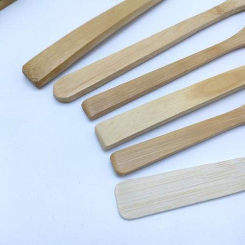 再利用可能な天然の竹スプーン
