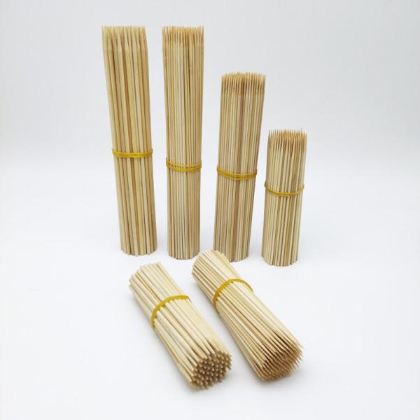 Schlichte und einfache Bambusspieße