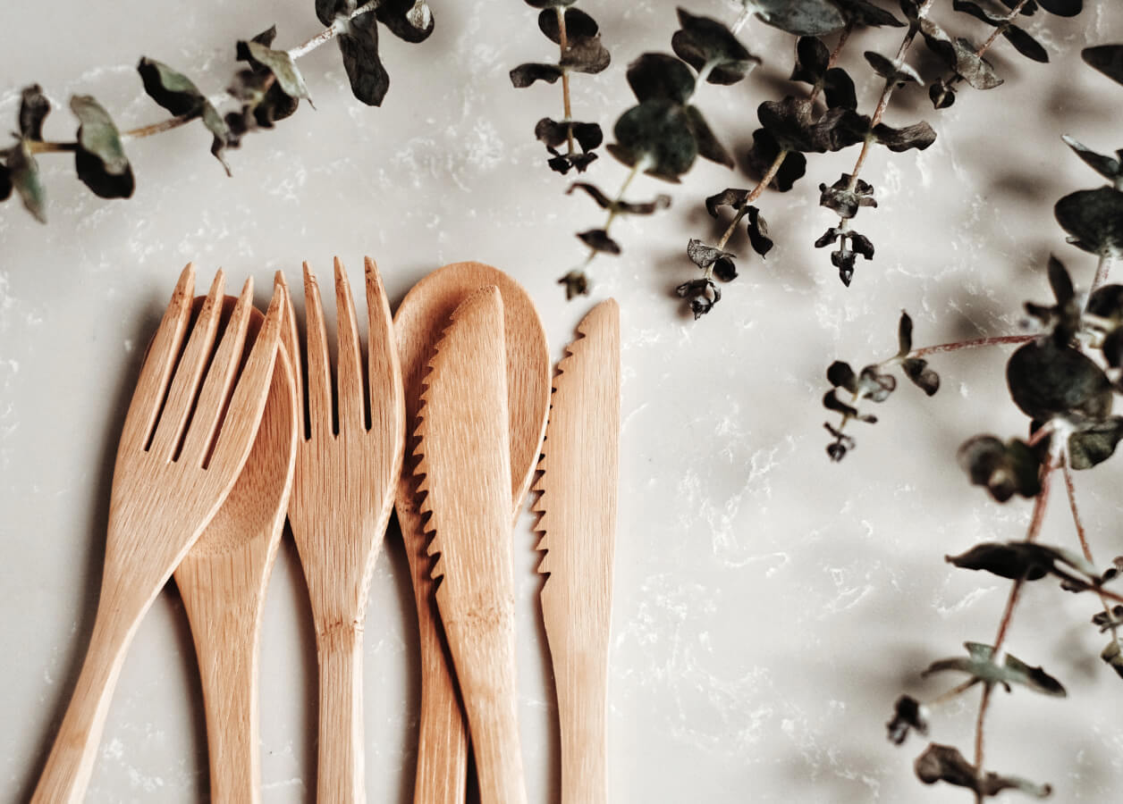 the specific method to prevent insects in bamboo tableware