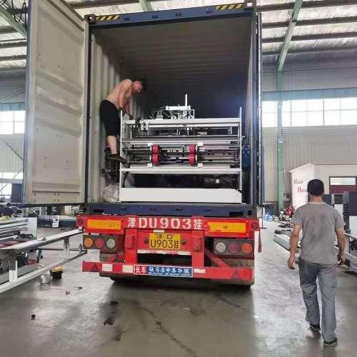 Hengchuangli automatic corrugated box pizza box folding machine 2800 carton bonding  Automatic high speed box gluing machine