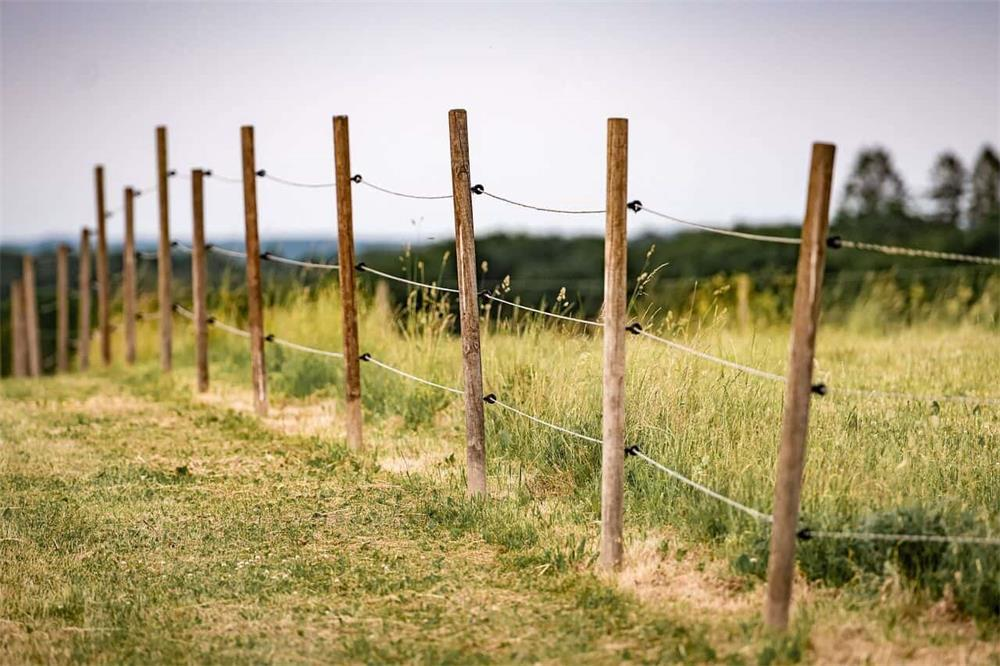 how to choose the right electric fence wire