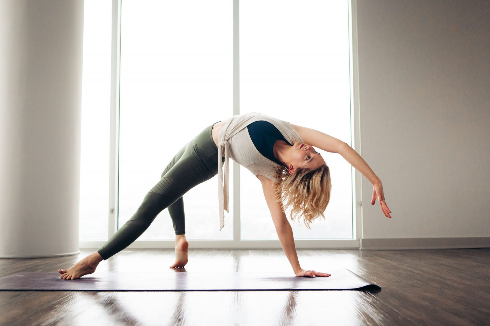 nine tips for removing the odor of yoga clothes