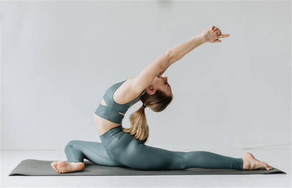 three tips for choosing the right yoga clothes