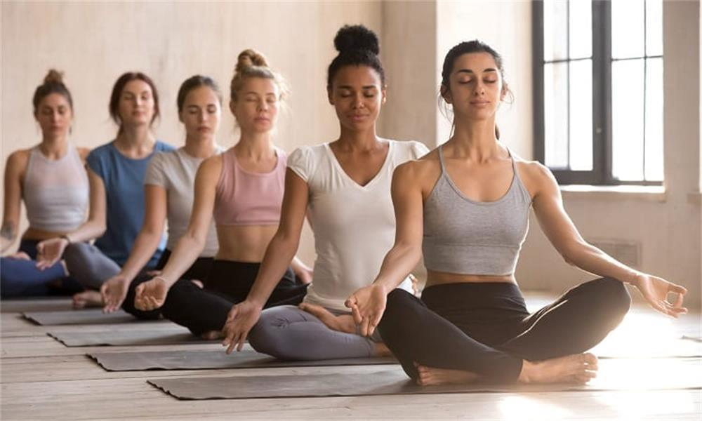 the factors that women need to consider when choosing yoga clothes