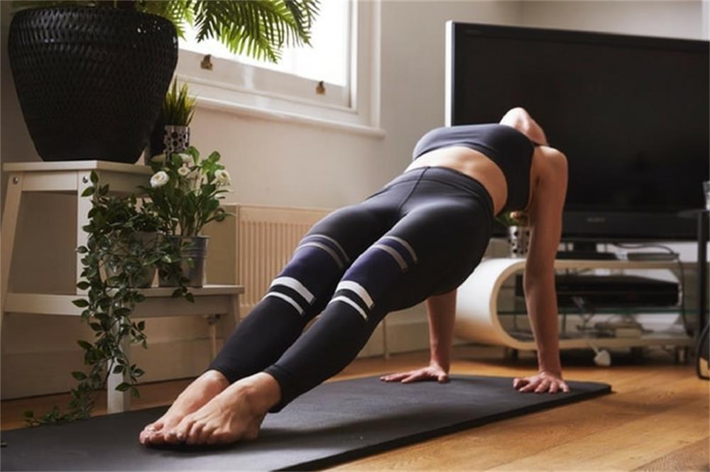 the characteristics of yoga clothes