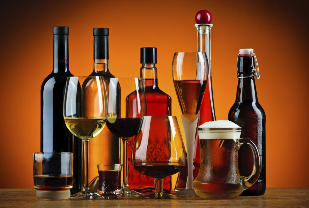 the benefits of using glass liquor bottles