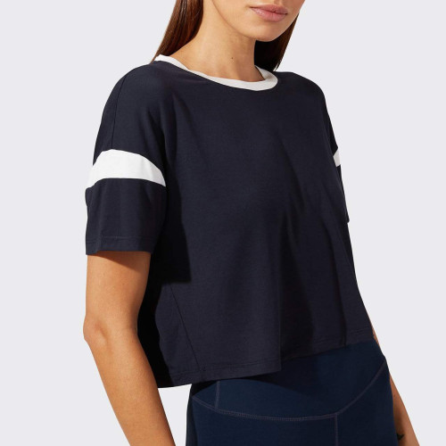 Custom Cotton Women's Crew Neck Loose Fitting Oversized Bulk T Shirts-Aktik